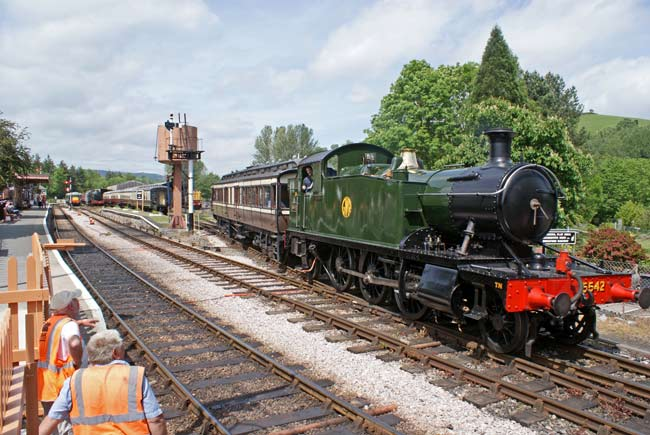 5542 with Victorian coach at Buckfastleigh