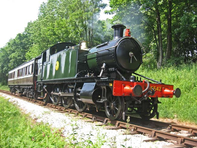 5542 with Victorian carriage